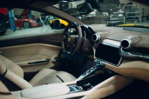 Ferrari 360 Modena bylo prodáno za bitcoiny v italské Padově